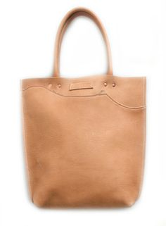 Con Leche... strong but soft, camel tone leather shopper