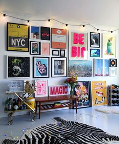 bold colorful teen hang out, teen girl room decor with light wall art, gallery . - home decoration bold colorful teen hang out, teen girl room decor with light wall art, gallery … – Bonus Room Design, Design Room, Home Design, Interior Design, Diy Design, Color Interior, Design Ideas, Design Trends, Diy Casa