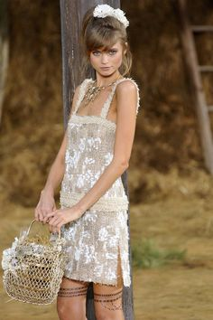 Chanel - Spring 2010 Ready-to-Wear Collection