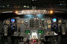Boeing 737-300 cockpit, Geneva