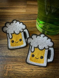 Beer patch // ornament Some Times, Satin Stitch, Badge, Crochet Earrings, Applique, Patches, Beer, Colours, Embroidery