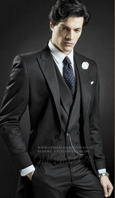 Colección Gentleman British Style online www.comercialmoyano.com MadeinItaly WWW.OTTAVIONUCCIO.COM Bespoke Excelencia #Bodas2015 Sartoria Luxury Online www.comercialmoyano.com MadeinItaly WWW.OTTAVIONUCCIO.COM