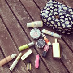 The Beauty In Minis   http://graciecarroll.com/beauty/the-beauty-in-minis/#