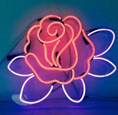 Neon | Rose | The Neon Queen | Lisa Schulte