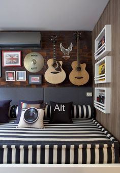 """Teenage Room Ideas - Decorations for """"Cool"""" Teens, Young people are often very satisfied. The Have You may already be self-standing when you redesign and decorate the youth room. At this difficult age,. Dream Bedroom, Home Bedroom, Kids Bedroom, Trendy Bedroom, Teen Music Bedroom, Bedroom Couch, Sofa Beds, Bedroom Themes, Bedroom Decor"""