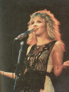 I love Stevie Nicks' style. This top/dress thing she's wearing is awesome.