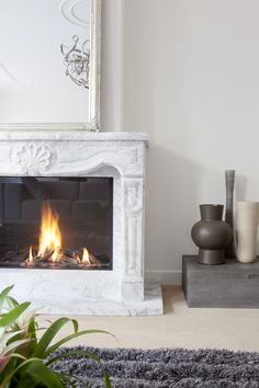 Townhouse at the Park by Remy Meijers Marble Fireplace Surround, Marble Fireplaces, Modern Fireplace, Fireplace Surrounds, Fireplace Design, Architecture Magazines, Architecture Design, Sofas, Electric Fireplace Insert