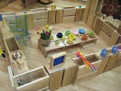 large blocks for kids to build their own areas what a great idea. set up the block area like this Reggio Inspired Classrooms, Reggio Classroom, Infant Classroom, Classroom Inspiration, Nursery Inspiration, Construction Area Eyfs, Deconstructed Role Play, Block Area, Block Play