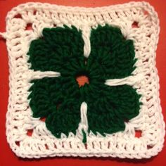 Today at work my colleague, who has begun to crochet requested that I figure out a pattern for her. She had seen a blanket she wanted to mak. Crochet Blocks, Crochet Squares, Crochet Motif, Free Crochet, Crochet Patterns, Granny Squares, Blanket Patterns, Crochet Afghans, Crochet Blankets