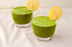 Healing and Repairing my Digestion:  Green Detox Smoothie Recipes {via healthfulpursuit}