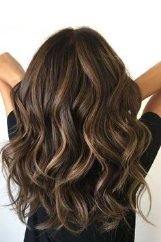 Wavy chocolate balayage hair dyed hair, brunette hair highlights, baylage o Brunette Hair With Highlights, Dark Brunette, Bayalage Brunette, Brunette Low Lights, Low Lights For Brunettes, Dark Brown Hair With Highlights And Lowlights, Brunette With Lowlights, Brunette Color, Ash Blonde