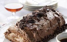 Suklaakääretorttu on suussasulava leivonnainen. Treat Yourself, Treats, Desserts, Anna, Food, Sweet Like Candy, Tailgate Desserts, Goodies, Deserts