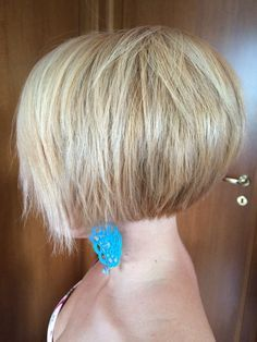 Inverted bob, short