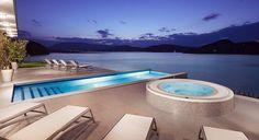 Zachwycające widoki z basenu infinity pool w Hotelu Heron