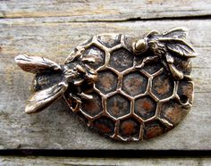 Bronze Bee Clasp by cynthiathornton on Etsy