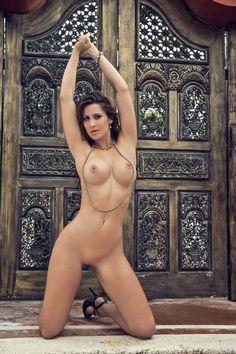Desnudo integral de Anais Zanotti en Playboy…