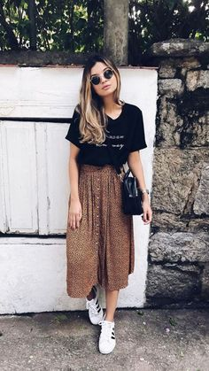 Cozy Spring Skirt Outfits Ideas To Try Asap - Leggings are a great choice this coming spring for girls outfits. A personal favorite is TutuLegz because they have the lightweight tutu attached to t. Look Fashion, Fashion Models, Woman Fashion, Trendy Fashion, Fashion Brands, Winter Fashion, Mode Outfits, Fashion Outfits, School Outfits