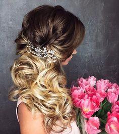 hair down wedding hairstyle #weddinghair #hairstyle #hair #bridalhair