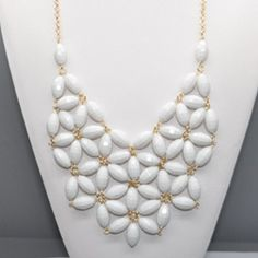 This with a kelly green top. Yes, please!! Best site ever for inexpensive jewelry! #necklace #bibnecklace #jewelry #urbanpeach
