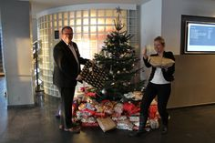 Tree with gifts at Quality Hotel Grand #xmas