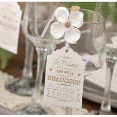 Orchidée blanche sur pince déco les 6 Arabesque, Orchids, Place Cards, Place Card Holders, Names Of Flowers, Blue Flowers, Fabric Flowers, Tattoo Ideas, Love