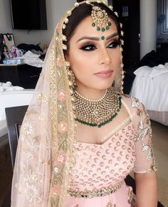 Candles Ideas and Candlestick Holders Bridal Makeup Looks, Indian Bridal Makeup, Indian Bridal Wear, Indian Wedding Jewelry, Asian Bridal, Bridal Hair And Makeup, Pakistani Bridal, Wedding Makeup, Bride Indian