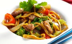 Chilli & Garlic Stir-Fry, Hokkien Noodles: Hokkien noodles don't have to be boring with this tasty recipe. Epicure Recipes, Fast Easy Dinner, Sesame Noodles, Recipe Search, Recipe Collection, Stir Fry, Meal Planning, Main Dishes, Fries