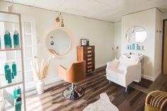 Home Beauty Salon, Home Hair Salons, Hair Salon Interior, Beauty Salon Decor, Salon Interior Design, Home Salon, Hair And Beauty Salon, Home Office Design, Rustic Salon Decor