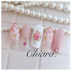 サンプルチップより♥︎(桜design♡)Instagram → yochan4.nail|ネイルデザインを探すならネイル数No.1のネイルブック