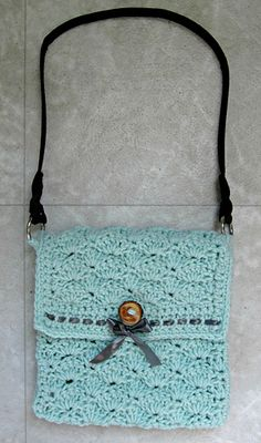 Easy Peasy Sandy Shells Purse ~ free pattern ᛡ