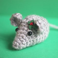 Crochet this little mouse and fill it with cat nip for your feline friend! Or turn it into a keychain or ornament! Quick FREE pattern! thanks so xox Crochet Santa Hat, Crochet Cat Toys, Crochet Mouse, Crochet Amigurumi, Crochet Gifts, Amigurumi Patterns, Free Crochet, Crochet Lion, Crochet Owls
