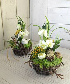 This article is not available Easter Flower Arrangements, Creative Flower Arrangements, Large Floral Arrangements, Easter Flowers, Beautiful Flower Arrangements, Spring Decoration, Christmas Ornament Wreath, Diy Ostern, Deco Floral