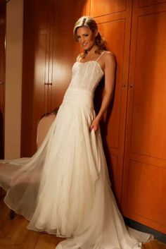 Wedding dress like that...hope though has an open back