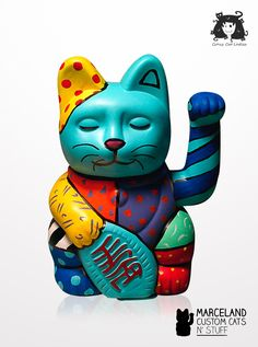 Romero Britto themed custom maneki neko.  Painted by marceland custom cats n' stuff www.marcelandcustom.com