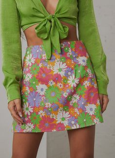 Retro Outfits, Mode Outfits, Cute Casual Outfits, Girly Outfits, Floral Outfits, Vintage Outfits, 70s Inspired Fashion, 70s Fashion, Fashion Outfits