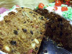 El pan de pascua es el pan dulce navideño que preparamos en Chile y le llamamos de esa forma  Llamamos Viejo Pascuero al Papa Noe...