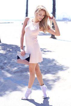 rcqzno-l-610x610-cheyenne-meets-chanel-dress-shoes-bag-jewels.jpg (407×610)