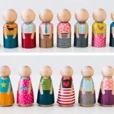 Been meaning to paint a set a have for the girls - this seems a much better/quicker option - DIY Create Your Own Peg Family by Caravan Shoppe Wood Peg Dolls, Clothespin Dolls, Diy For Kids, Crafts For Kids, Diy Crafts, Kegel, Operation Christmas Child, Wooden Pegs, Kokeshi Dolls