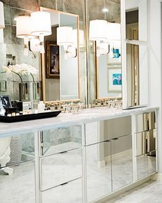 Getting ready for Saturday night like #OnStandsNow #mirrormirror #bathroomdesign(: John Cain design by @amylberry) by housebeautiful