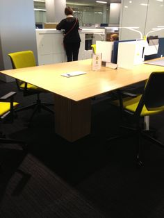 Haworth Showroom Bench workstations with a freestanding table at the end - simple!