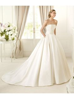 Ball Gown Strapless Chapel Train Ivory Wedding Dresses H2pn0113