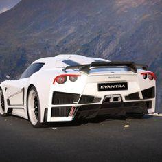 今年の1月にイタリアの高級自動車メーカー、マザンティの新型スーパーカー「エヴァントラV8」のスペックについてお伝えした。そのエヴァントラV8が、先日モナコで開催されたモーターショー「Top Marques Monaco」でお披露目され、さらなる詳細が発表されたのでご紹介しよう。