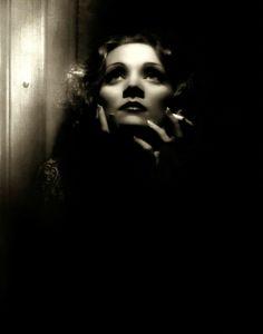 Marlene Dietrich in « Shangaï express » directed by Josef von Sternberg 1932