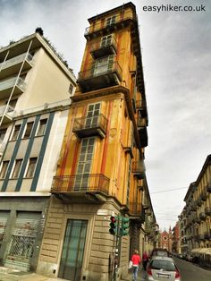 """The """"Slice of Polenta"""" building in Turin  EASY HIKER 
