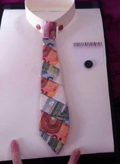 Hemd mit geldkrawatte