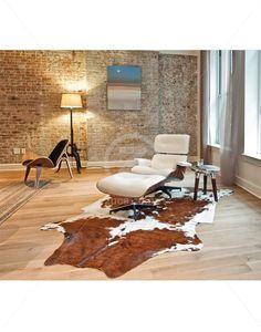 Replica Eames Lounge Chair & Ottoman Premium – White/Walnut | ZUCA | Homeware, Chairs, Replica Furniture, Barstools & Office Furniture in Wellington, New Zealand