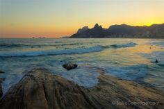 Las rocas de la playa de Arpoeador, el lugar perfecto para ver la puesta de sol…