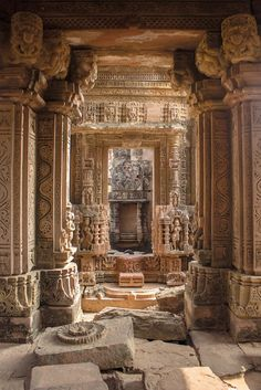 Madhya Pradesh: The Age of Empires - The ruined garbhagriha (inner sanctum) of a Chandella temple deep inside a forest at Ajaigarh - Indian Temple Architecture, India Architecture, Ancient Architecture, Beautiful Architecture, Ancient Ruins, Ancient Egypt, The Ruins, Magic Places, Art Ancien