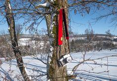 Halte den Winter fest! 📷  WildTech KameraStrap - dein Begleiter für Naturabenteuer. Handgefertigt in Deutschland aus 100% echtem Wollfilz! Erhältlich in 17 außergewöhnlichen Farben. #natur #entdecken #wanderlust #landschaft #outdoor #abenteuer #reisen #wandern #berge #winterberg #fotografie #naturfotografie #kamera #kamerastrap #merino #wollfilz #handgefertigt #deutschland