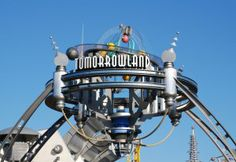 Touring Disney Theme Parks: Tomorrowland in Magic Kingdom